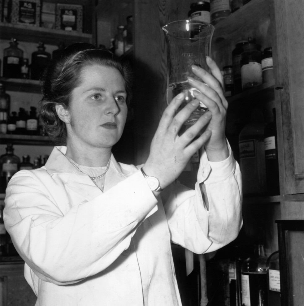 Thatcher working as a research chemist in January 1950. Photo by Chris Ware/Keystone Features/Getty Images) Margaret Thatcher working as a research chemist in January 1950
