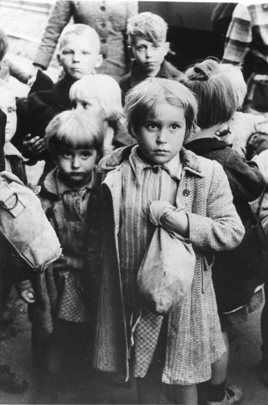 Evacuation of German children from Poland
